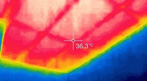 ショップハウス最上階の天井表面温度